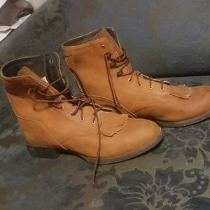 Ariat technology boots size 9.5B